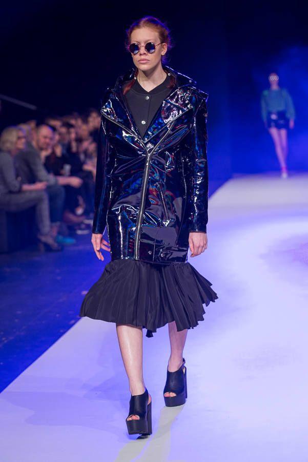 Buty: http://born2be.pl/czarne-sandaly-black-fashionable-sandals  Fashion Week 2015. Designer Avenue: Klaudia Markiewicz [ZDJĘCIA] - Dzienniklodzki.pl