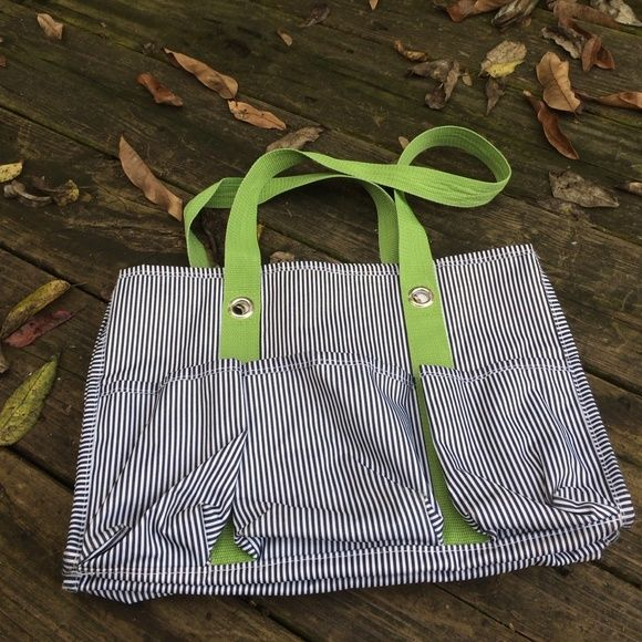 Thirty one utility tote Good used condition some spots on pockets of one side otherwise clean! Clean inside thirty one Bags Totes