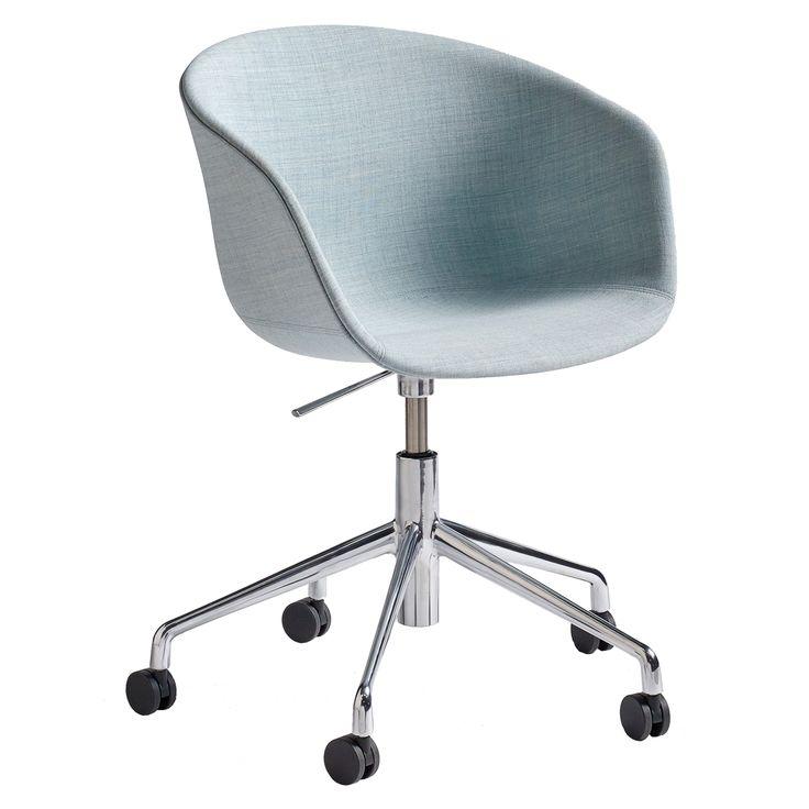 About a Chair 53 m hjul fra Hay. Tanken med serien About a Chair var å skape en stol med veldig...