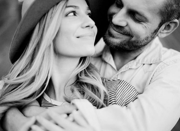 Sweet engagement photos at Oklahoma's The Barn at the Woods by Magnolia Adams Photography