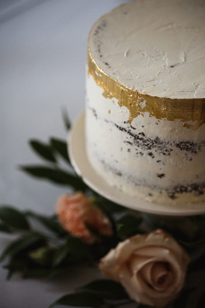 wedding cake gold foil best 25 gold foil cake ideas on beautiful 22777