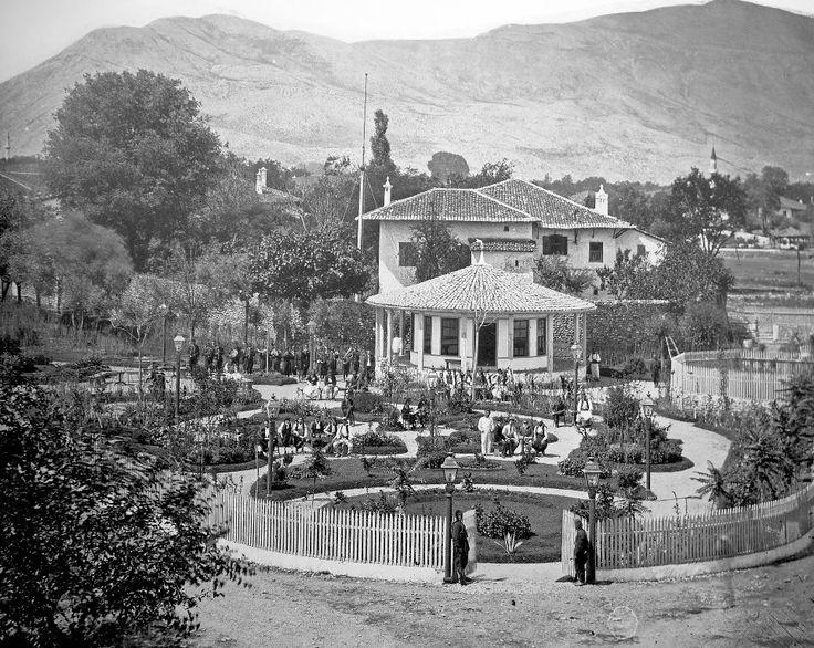 Lulishtja Popullore (Milet Bahçe) ne qendër të Shkodrës, 1875. Pietro Marubbi.