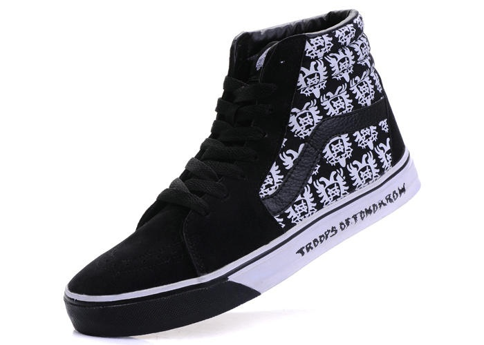 Penfield, Obey, Carhartt, Vans, DC Shoes, Puma, Nixon, G Star, Humor, Nike 6.0, Supra, Diesel$94.12