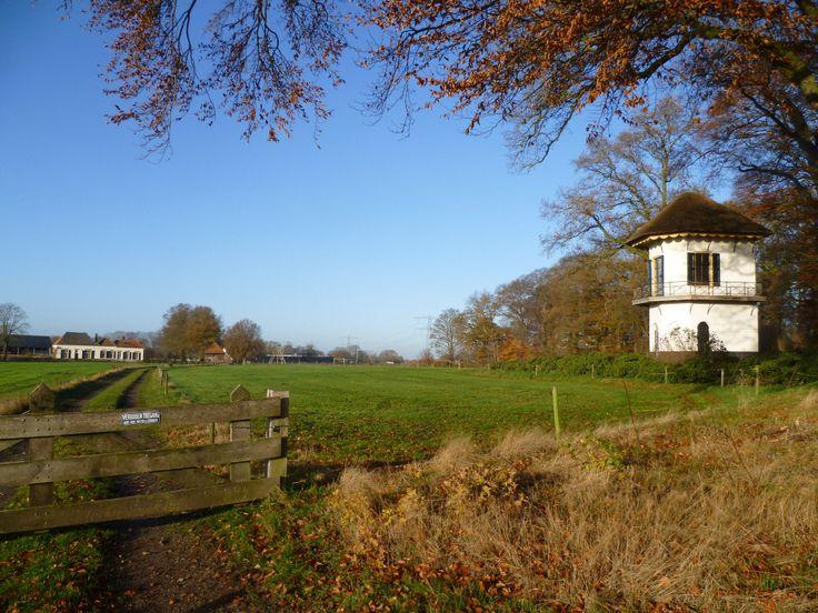2013-12-01 De Staringkoepel met links logeeradres Boerenbed.nl