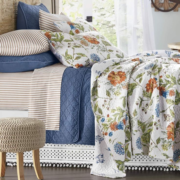 Meadow Oversized Quilt and Sham Farmhouse quilts