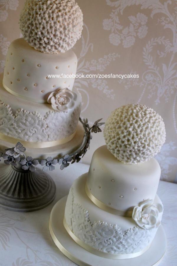 Cute little wedding cake