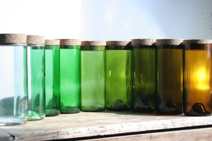 Farbspektrum Aufbewahrungsgläser aus Weinflaschen. #upcycling #DIY
