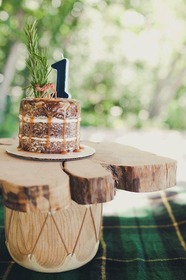 1 year birthday party via GreyLikesBaby.
