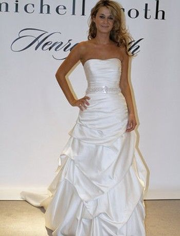 Bridal Gowns: Henry Roth A-Line Wedding Dress with Strapless Neckline and Natural Waist Waistline