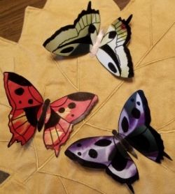 You'll love making beautiful butterflies using old calendar pages. And you'll enjoy showing the kids how to make them this particular calendar...