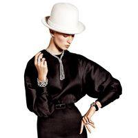 Diamantes combinados con tuxedos, dresscode de impacto   Editorial by Vogue España  Diamond rings by Gayubo