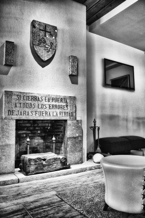 Hotel Don Paco #salon #chimenea #convento #llanes #asturias #peregrinos #caminodesantiago