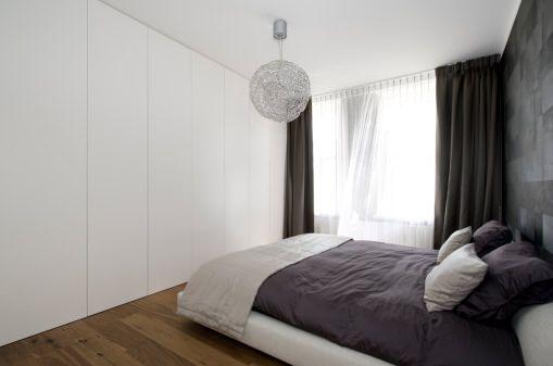 Pi di 25 fantastiche idee su arredamento della camera da letto grigio su pinterest camere da - Insetti piccolissimi neri nel letto ...