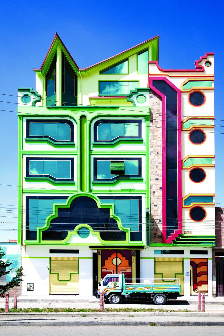 Imagen 4 de 16 de la galería de Freddy Mamani y el surgimiento de una nueva arquitectura andina en Bolivia. Fotografía de Alfredo Zeballos