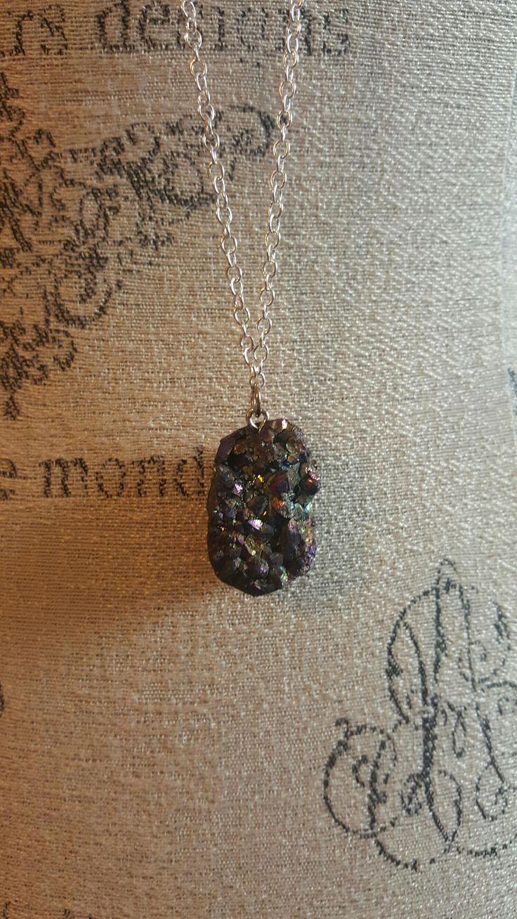 Druzy necklace, Daenerys Targaryen, dragon egg, necklace with crystal pendant, druzy crystal pendant, silver chain, geode