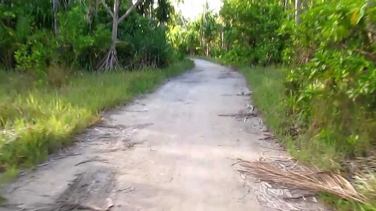 Austin speaking Kiribati. 12-28-2012, Tarawa Ieta