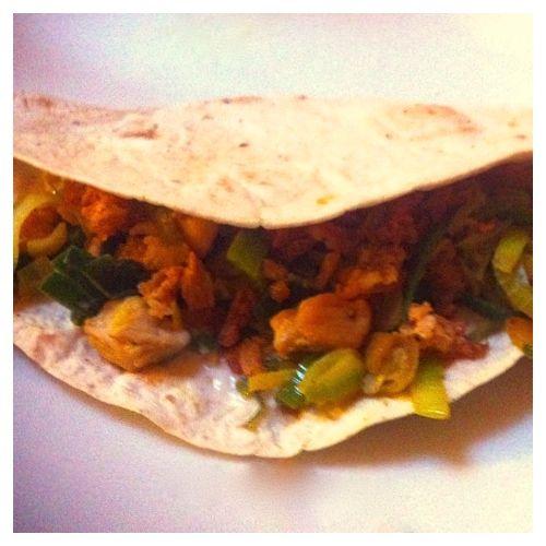 5 or less: Wrap met kip, prei en gebakken uitjes