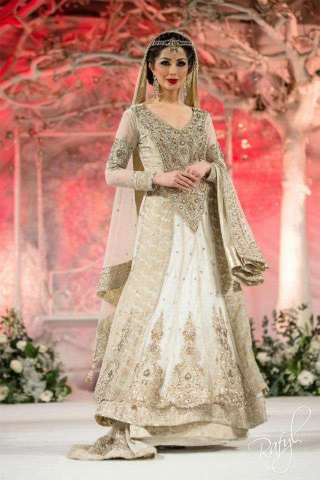 As every year, there was also this year sponsored by Pantene Bridal Couture Week in Karachi, one of the largest cities and the fashion capital of latest wedding dress in pakistan.