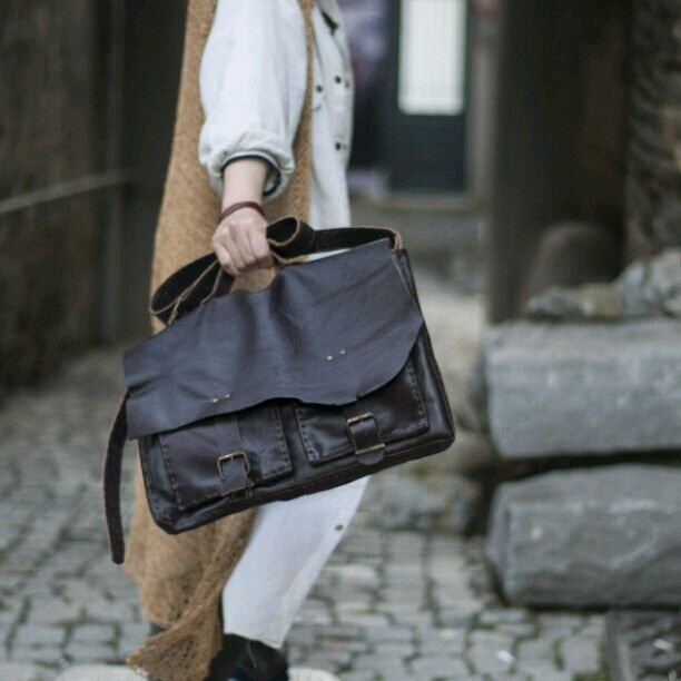 Messenger bag/handmade leather