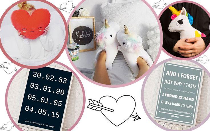 Valentinstag Geschenke #valentine'sday #giftideas #gifts #valentinstag #valentinesgifts #valentinespresent #poster #unicorngifts #unicorns #girly #heratpillow #giftideas #awesomegifts #giftsforher #giftsforhim #lovegifts #romanticgifts #personalizedgifts