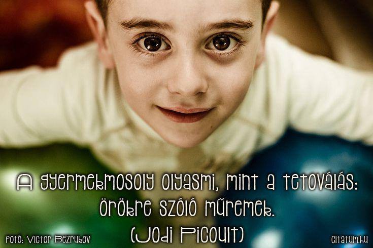 Jodi Lynn Picoult idézet a gyerekek mosolyáról.
