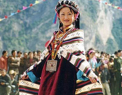 "Danba lies along the eastern border of the Ganzi Tibet Autonomous Region which lies in western Sichuan.The county's landscape is vertically changing, from the high-altitude snow-capped mountains, to glaciers and the low altitude grasslands and valleys. The main population here is composed of ethnic Tibetans. The girls from Danba are famed to be the prettiest in the region, giving the valley a second nickname, ""Beauty Valley."