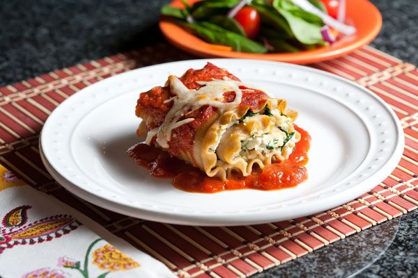 Easy Chicken and Spinach Lasagna Roll-up Recipe