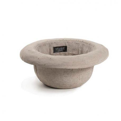 Una nuova collezione in cemento targata Seletti. Concrete è una serie di vasi per interni ed esterni disegnati da Marcantonio Raimondi Malerba. Il vaso in cemento Bombetta può essere utilizzato anche come svuota tasche. #outdoor #giftidea