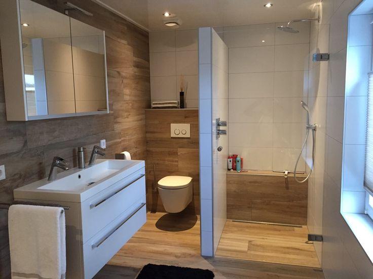 25 beste idee n over tegels in de badkamers op pinterest bad verbouwen badkamers en renovatie - Imitatie natuursteen muur tegel ...