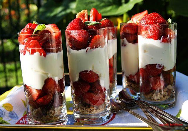 serowy deser z truskawkami - ser ricotta