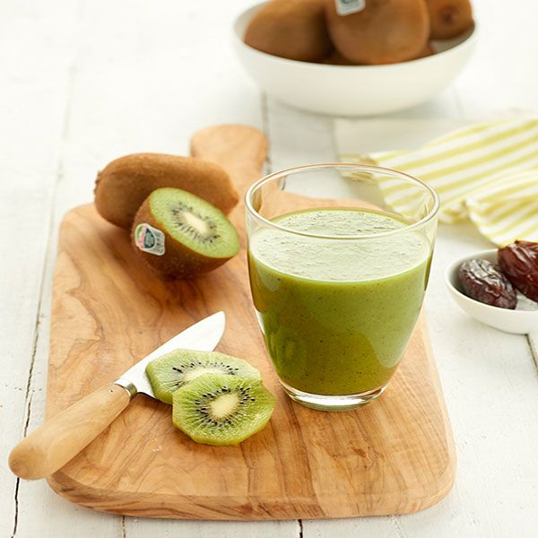 Smoothie kiwi-appel-spinazie-dadel