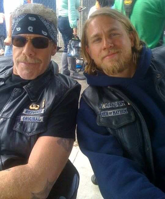 Ron Perlman and Charlie Hunnam on the set of Sons of Anarchy ♡♥