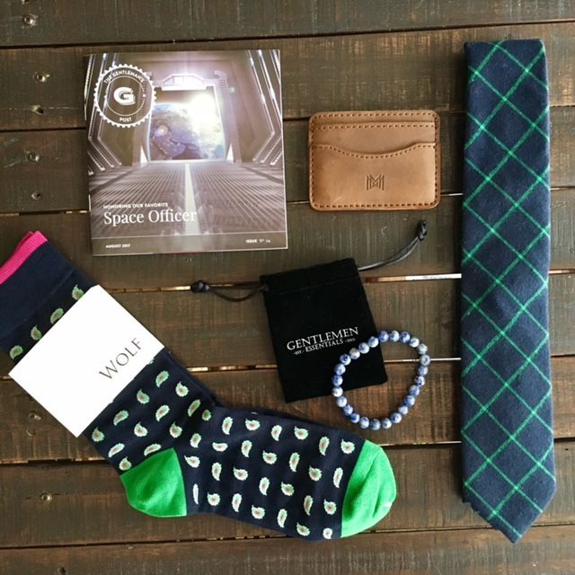 Gentleman's Box Review August 2017 + Coupon Gentleman's Box Review August: The AugustGentleman's Boxrefreshes a much needed daily accessory. This space themed box features 5 down to earth items. With unbeatable value, this is the must have box for stylish men.  #gentlemansbox #subbox #formen #accessories #mensfashion #lifestyle #men #reviews #socks #coupon #ties #giftsformen #box #subscriptionbox