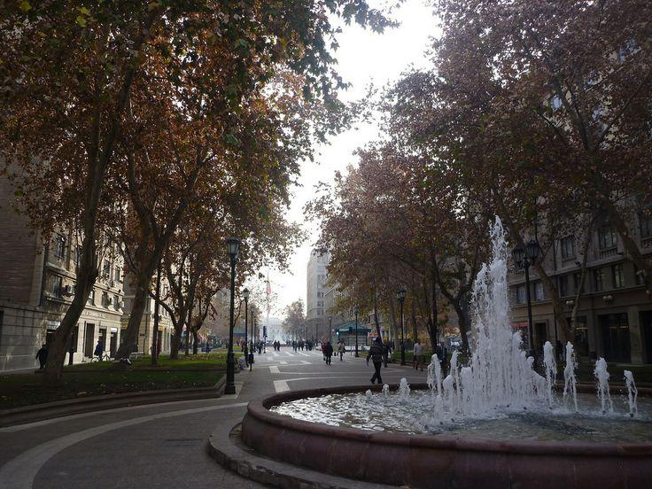 Ciudad Moderna: Capital Santiago de Chile Paseo Bulnes, downtown