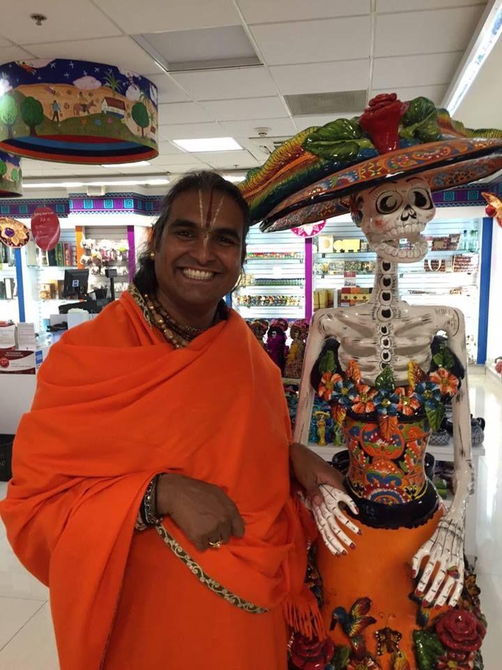 Paramahamsa Sri Swami Vishwananda spiritual master, beloved Guruji bhakti marga atma kriya yoga Парамахамса Шри Свами Вишвананда
