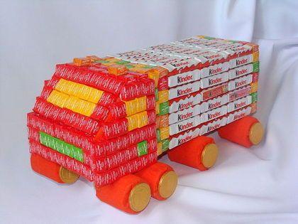 """Кулинарные сувениры ручной работы. Заказать Букет из конфет """"Грузовик """" Лего"""". Незабудка. Ярмарка Мастеров. Машина из конфет, конфеты"""