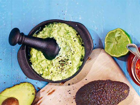 Guacamole med gräddfil | Recept från Köket.se