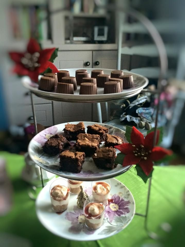 Sweet Afternoon Tea @ The Cottage for Christmas meeting with friends. Mince pie truffles, mini chocolate brownies, mini cheese cakes with cherry-honey syrup