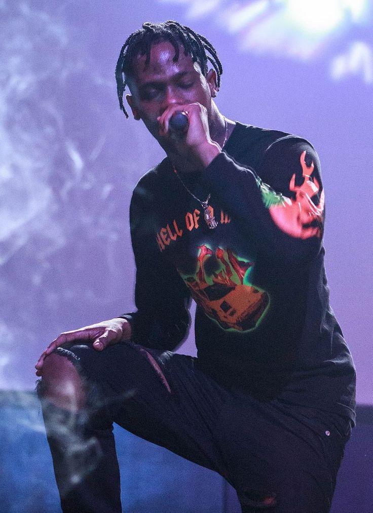 Travis Scott performing in 2014, 2 weeks before Days Before Rodeo was released