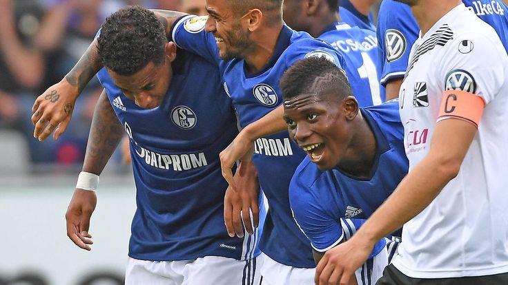 """DFB-Pokal: Die Spiele im Überblick: Schalke siegt souverän, die """"Fohlen"""" zittern"""