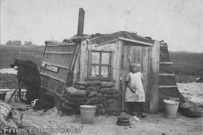 Hut circa 1900 / 1905