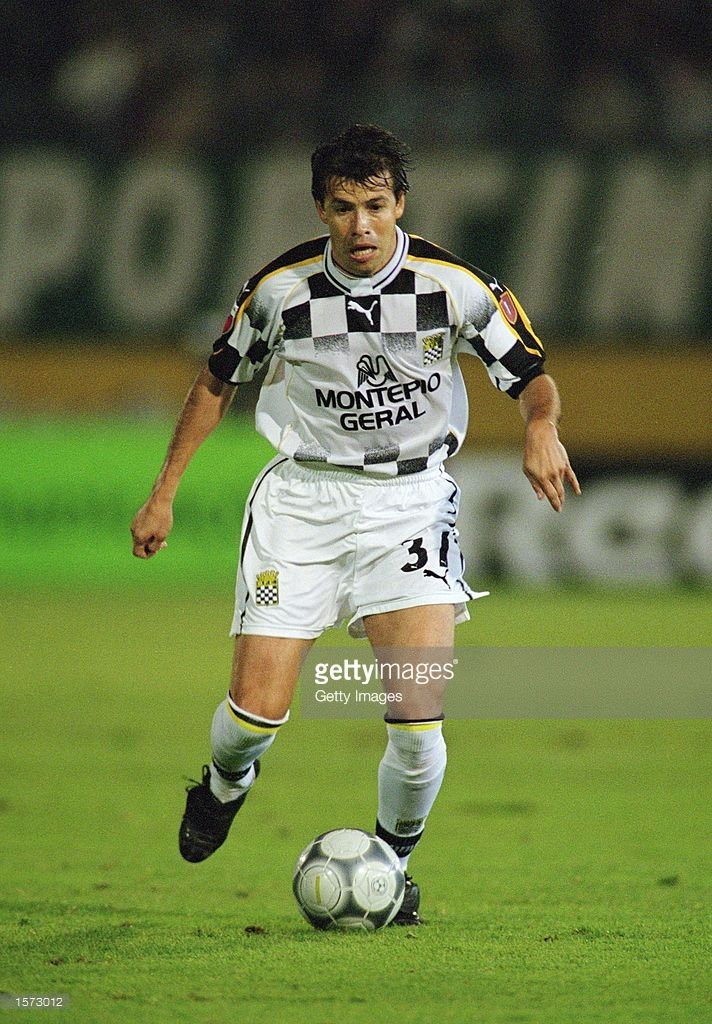 Erwin Sanchez of Boavista runs with the ball during the Portuguese League match against Sporting Lisbon played at the Jose Alvalade Stadium, in Lisbon, Portugal. Sporting Lisbon won the match 2-0. \ Picture taken by Nuno Correia \ Mandatory Credit: AllsportUK /Allsport