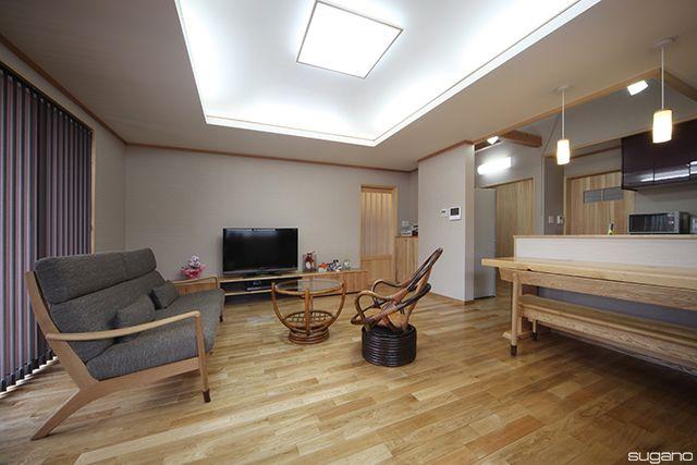 天井には間接照明を。#和風住宅 #住宅 #家づくり #新築 #ldk #リビング #間接照明 #折り上げ天井 #設計事務所 #菅野企画設計