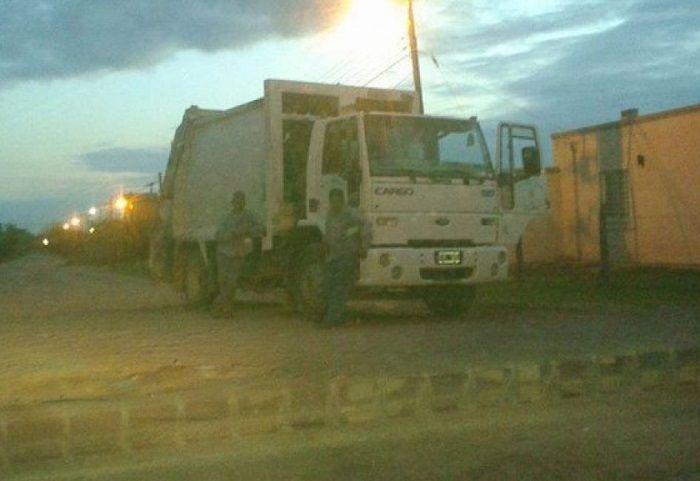 en El Carril no recogieron la basura porque se quedaron sin nafta: El camión se detuvo en un barrio de esa ciudad. Los vecinos, indignados.