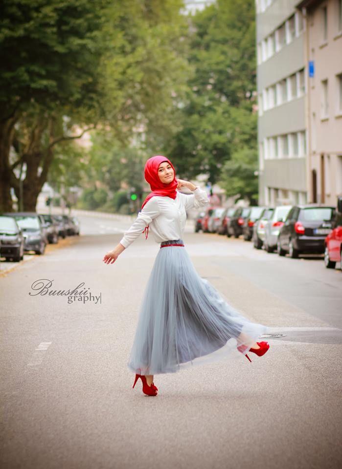 Hijab - Forever 18  Shirt - H&M Skirt - Annah Hariri Shoes - Forever   Belt - Primark