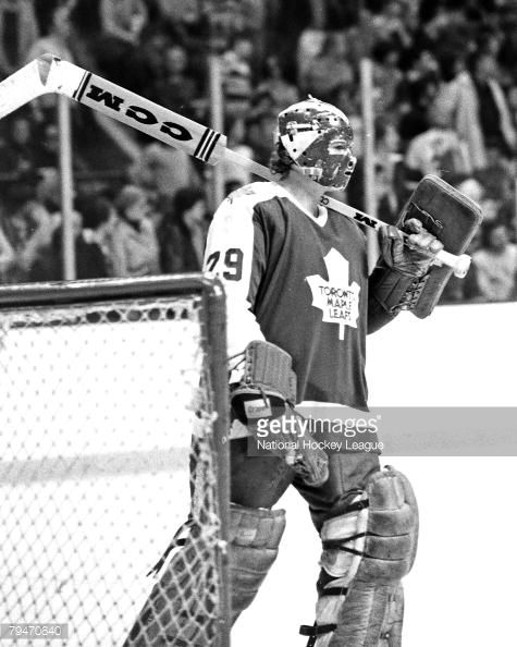 79470640-1970s-mike-palmateer-of-the-toronto-maple-gettyimages.jpg (475×594)