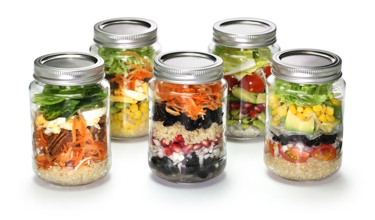 Need a quick and easy lunch option? Try salads in Mason jars. I've got the best tips on how to pack salads in Mason jars, plus 5 recipes to get you started.