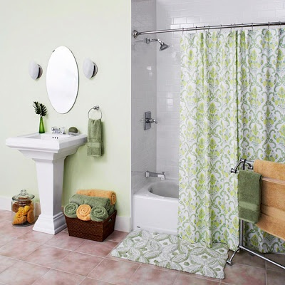 Trending Now In Bathroom Decor: Spacious, Curved Shower Curtain Rods