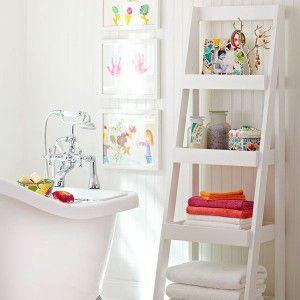 interior-design-ideen-wei-er-leiter-holz-im-wohnzimmer