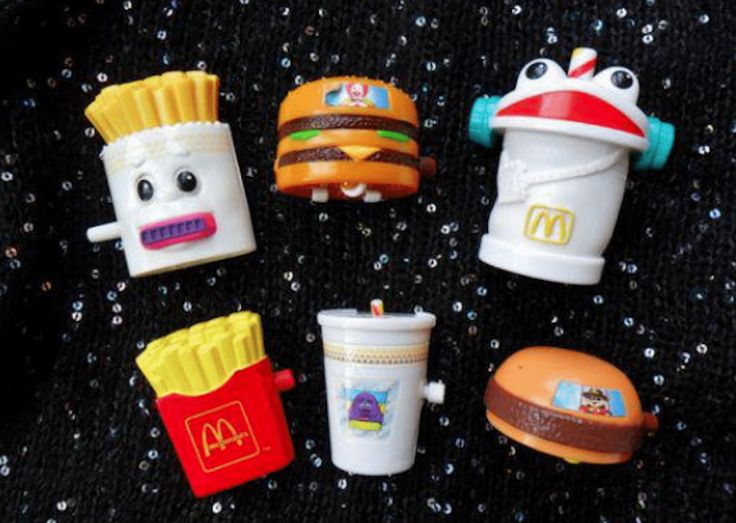 Call me old-fashioned, but I much prefer the dinosaur, Flintstones and Barbie-themed Happy Meal toys from the 1980s and '90s to the minions and Pokémon trinkets found inside of the meals nowadays. While I'm sure kids still get just as excited about their Happy Meals in 2017, the toys of